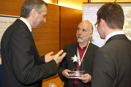 Roger Ferlet with the European Commissioner for Education (left) and the Czech Minister of Education (right)